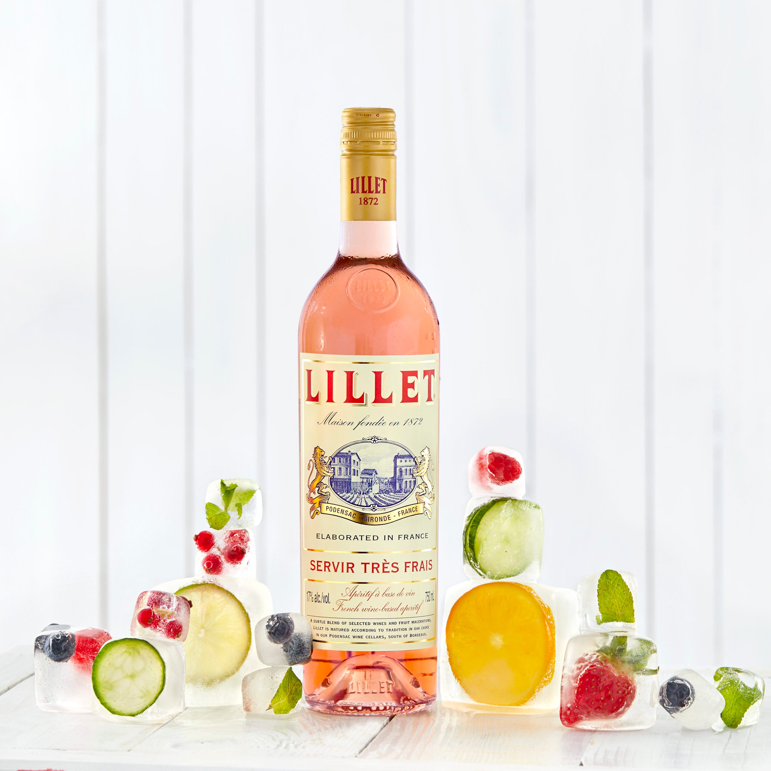Lillet Rosé iced fruits